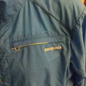 Patagonia Jackets & Coats - Men's size Large Patagonia pull over